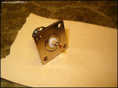 Obrázek: Konektor, tento plochý typ je ideální.