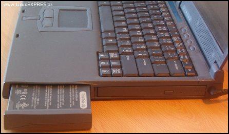 Acer Travelmate 220 4.jpg