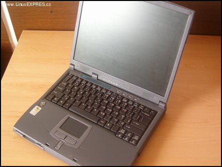 Acer Travelmate 220 9.jpg